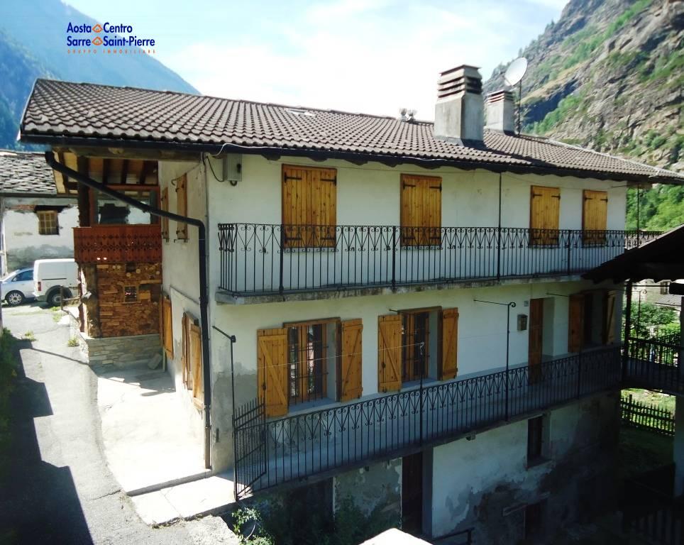 Appartamento in vendita a Aymavilles, 3 locali, zona Località: Vieyes, prezzo € 70.000 | PortaleAgenzieImmobiliari.it