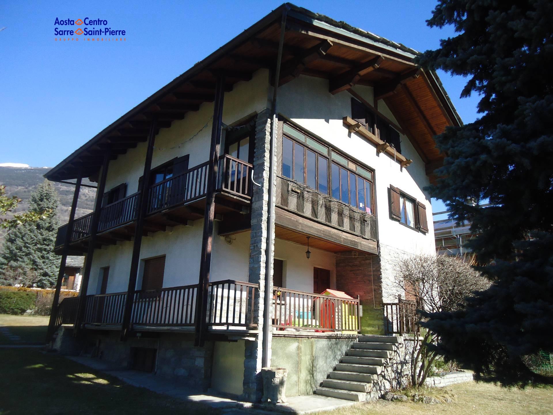 Villa in vendita a Saint-Pierre, 12 locali, zona Località: ChateauFeuillet, prezzo € 420.000   PortaleAgenzieImmobiliari.it