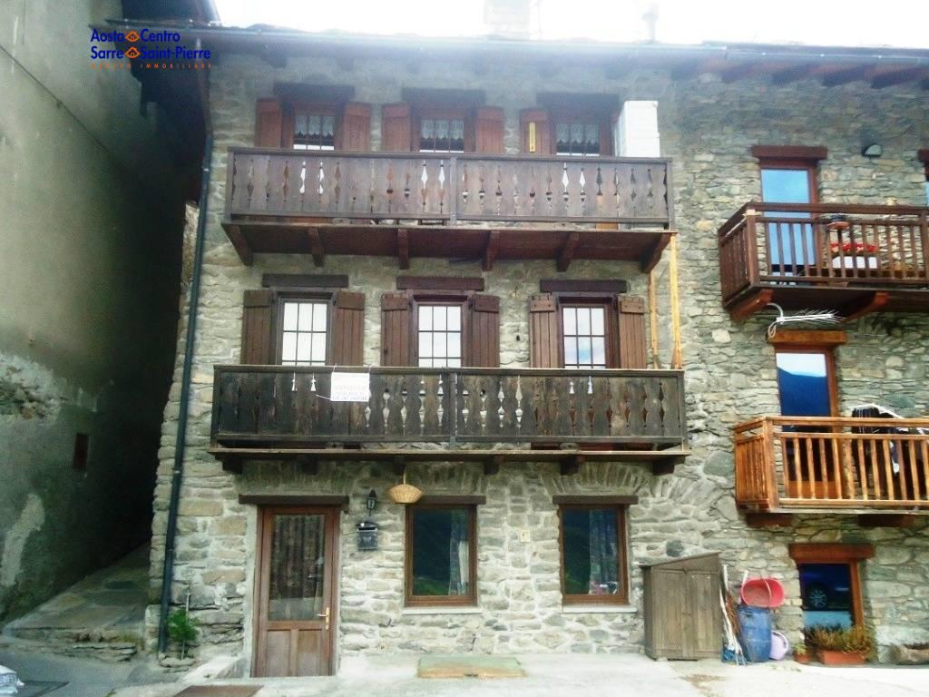 Appartamento in vendita a Saint-Pierre, 4 locali, prezzo € 120.000   PortaleAgenzieImmobiliari.it