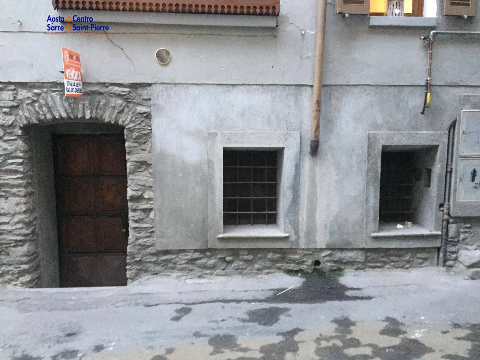 Negozio / Locale in vendita a Aosta, 9999 locali, zona ro, prezzo € 130.000 | PortaleAgenzieImmobiliari.it