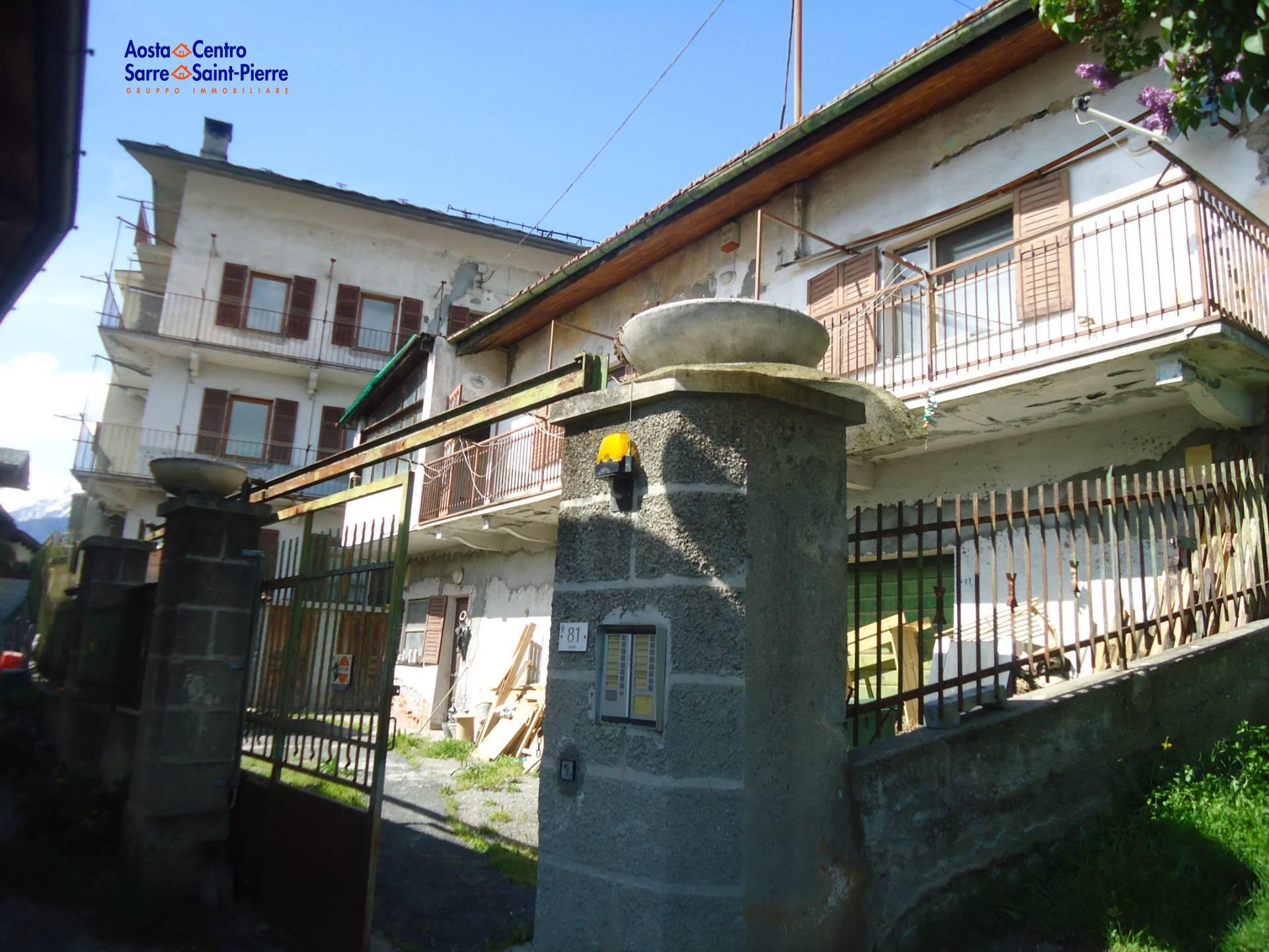 Rustico / Casale in vendita a Sarre, 30 locali, prezzo € 850.000 | PortaleAgenzieImmobiliari.it
