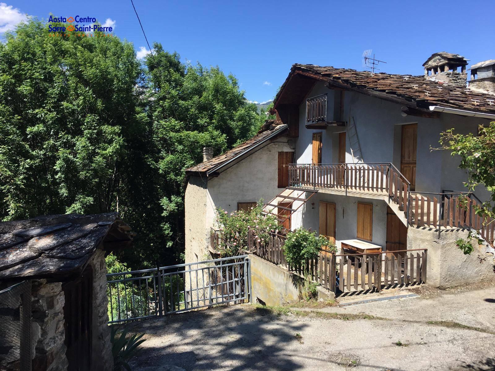 Rustico / Casale in vendita a Saint-Marcel, 8 locali, prezzo € 86.000 | PortaleAgenzieImmobiliari.it