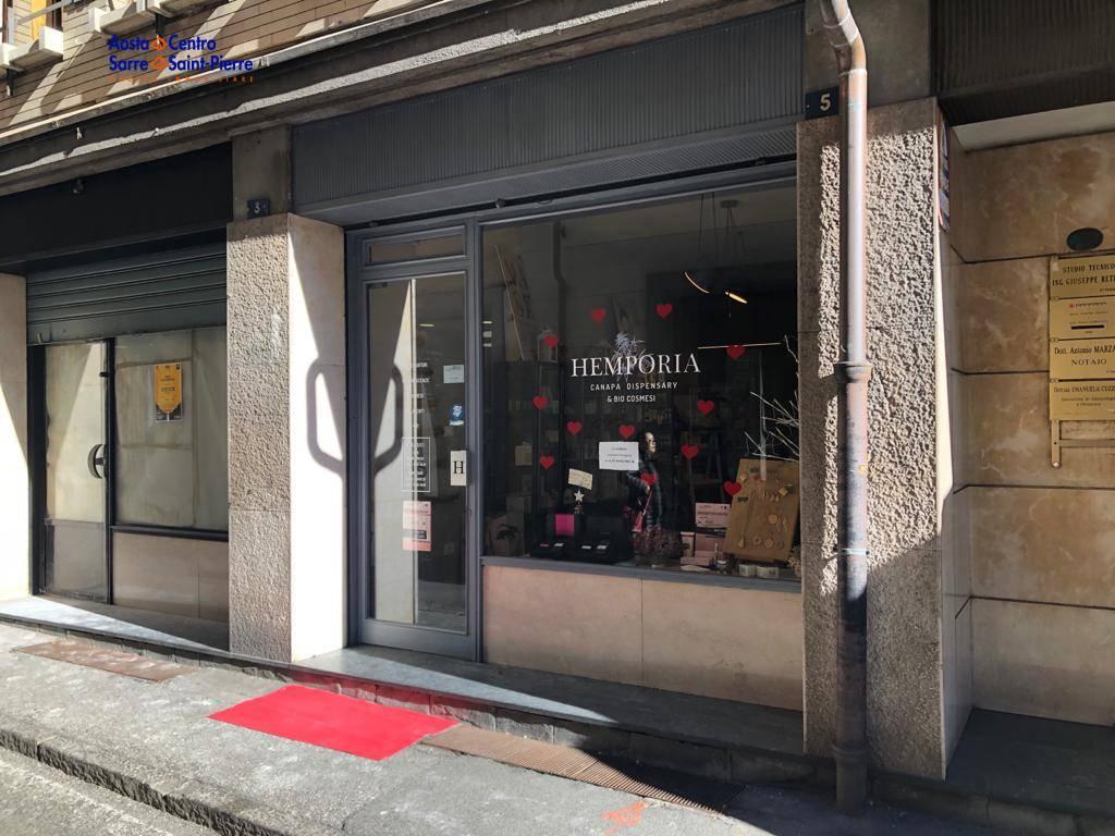 Negozio / Locale in affitto a Aosta, 9999 locali, zona ro, prezzo € 850 | PortaleAgenzieImmobiliari.it