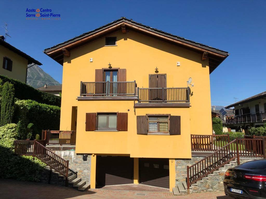 Villa in vendita a Saint-Marcel, 5 locali, prezzo € 360.000 | PortaleAgenzieImmobiliari.it