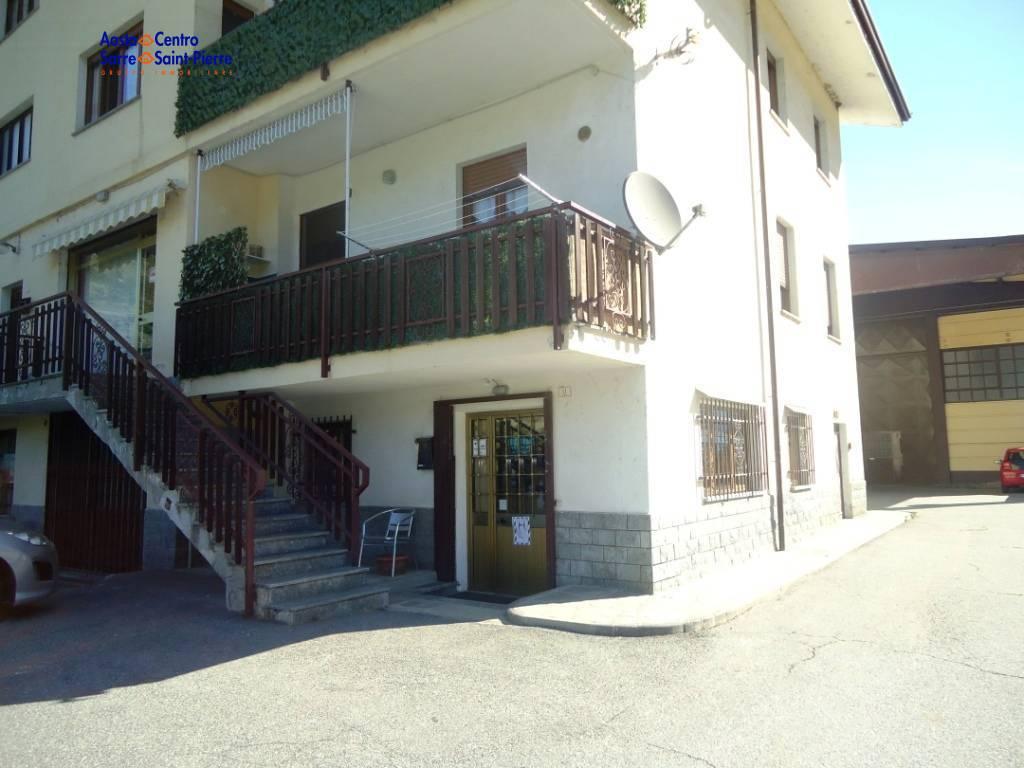 Ufficio / Studio in affitto a Saint-Pierre, 9999 locali, prezzo € 800 | PortaleAgenzieImmobiliari.it