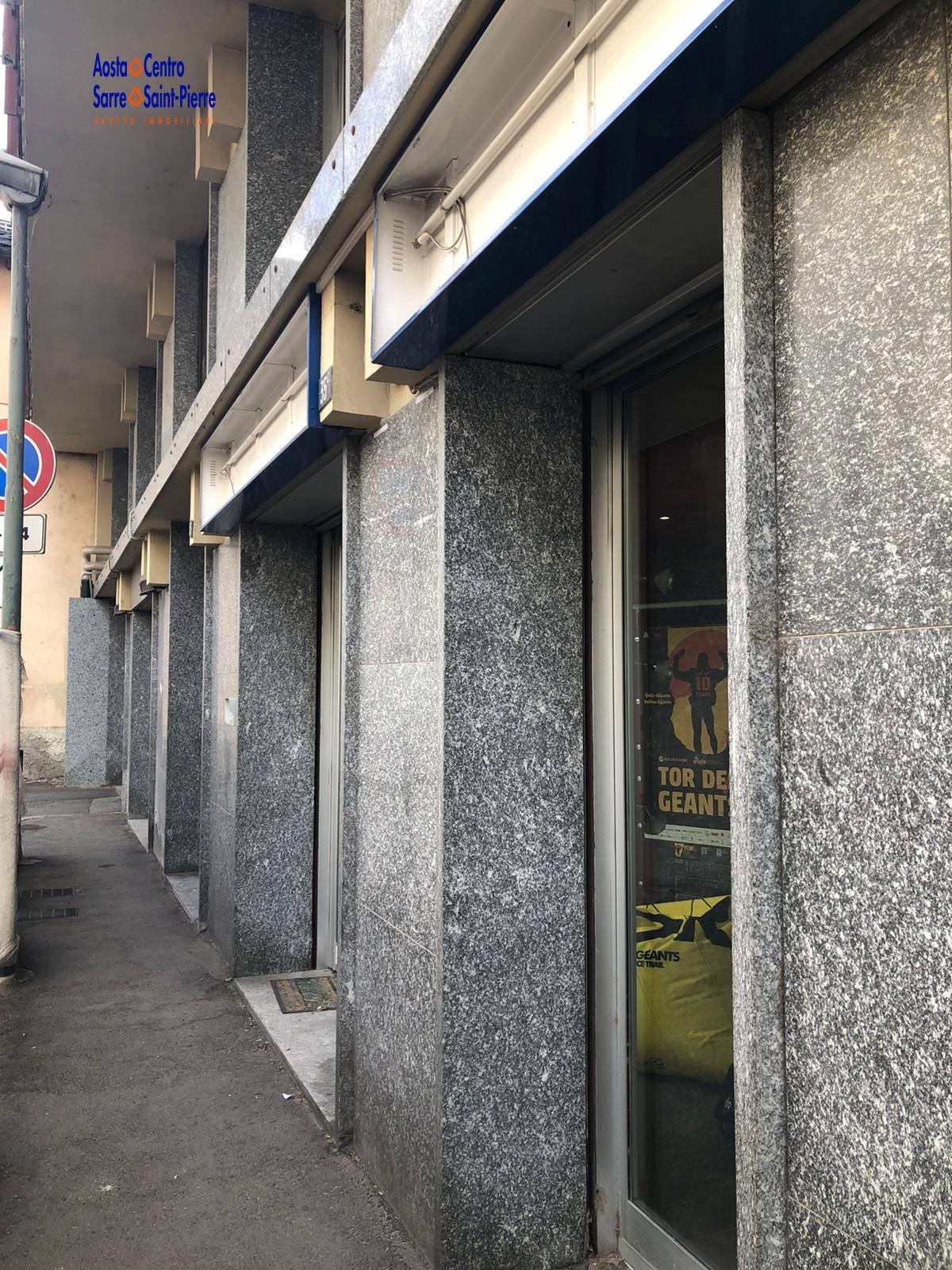 Ufficio / Studio in vendita a Aosta, 9999 locali, zona ro, prezzo € 150.000 | PortaleAgenzieImmobiliari.it