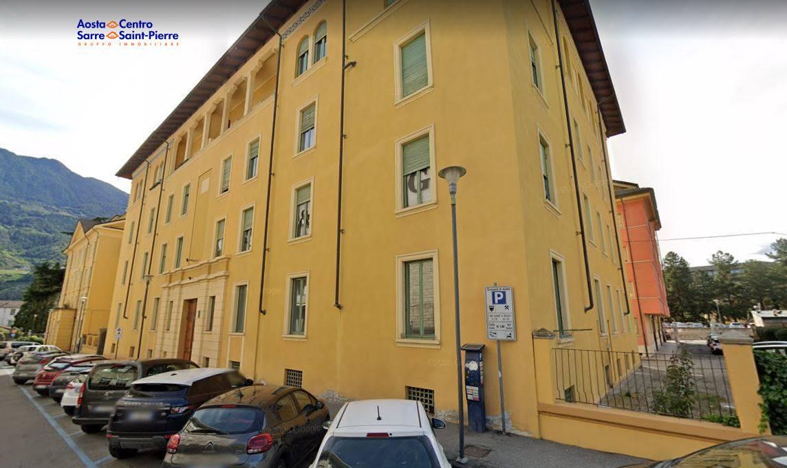 Ufficio / Studio in affitto a Aosta, 9999 locali, zona ro, prezzo € 1.200 | PortaleAgenzieImmobiliari.it