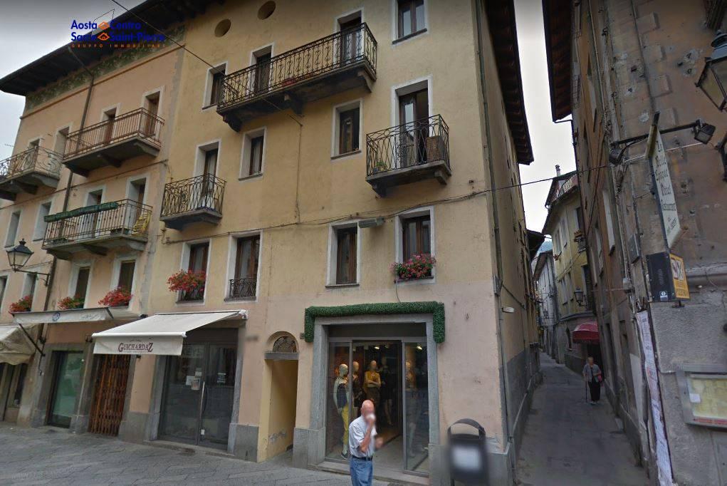 Negozio / Locale in vendita a Aosta, 9999 locali, zona ro, prezzo € 140.000 | PortaleAgenzieImmobiliari.it