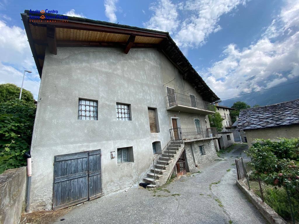 Appartamento in vendita a Gignod, 4 locali, prezzo € 350.000 | PortaleAgenzieImmobiliari.it