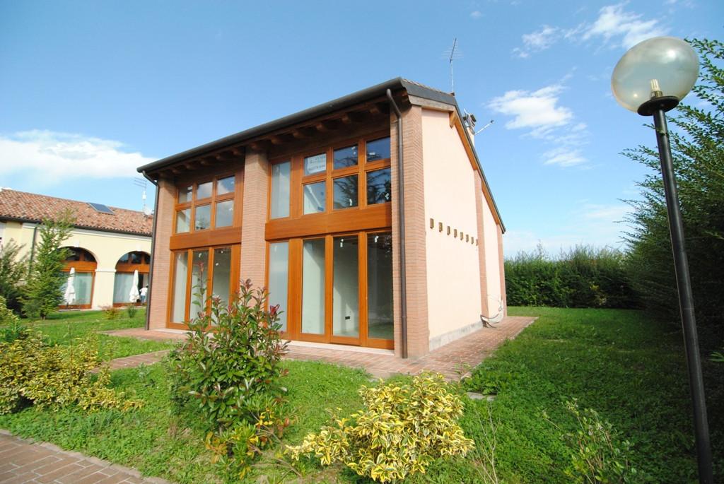 Villa in vendita a Mirano, 8 locali, zona Zona: Zianigo, Trattative riservate | Cambio Casa.it