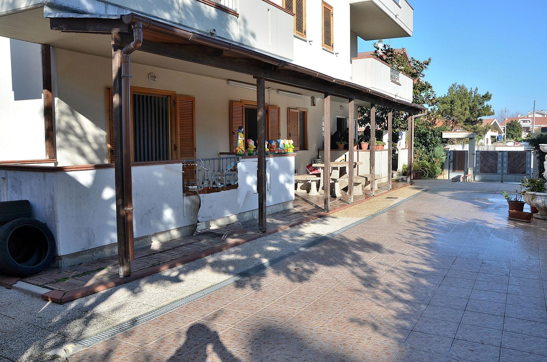 Appartamento in vendita a Città Sant'Angelo, 4 locali, zona Località: SanMartinoBassa, prezzo € 174.000 | Cambio Casa.it
