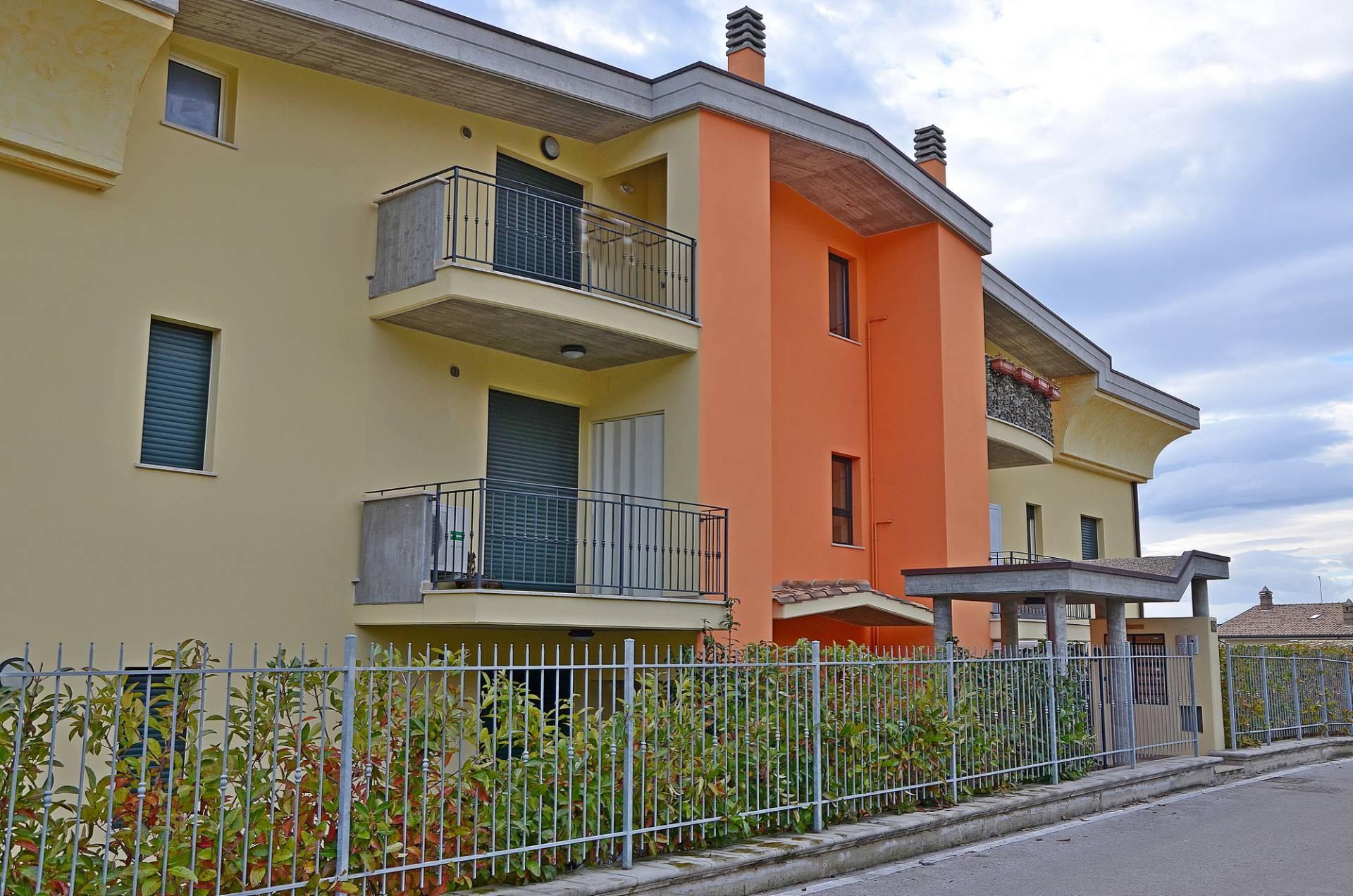 Appartamento in vendita a Città Sant'Angelo, 3 locali, prezzo € 85.000 | CambioCasa.it