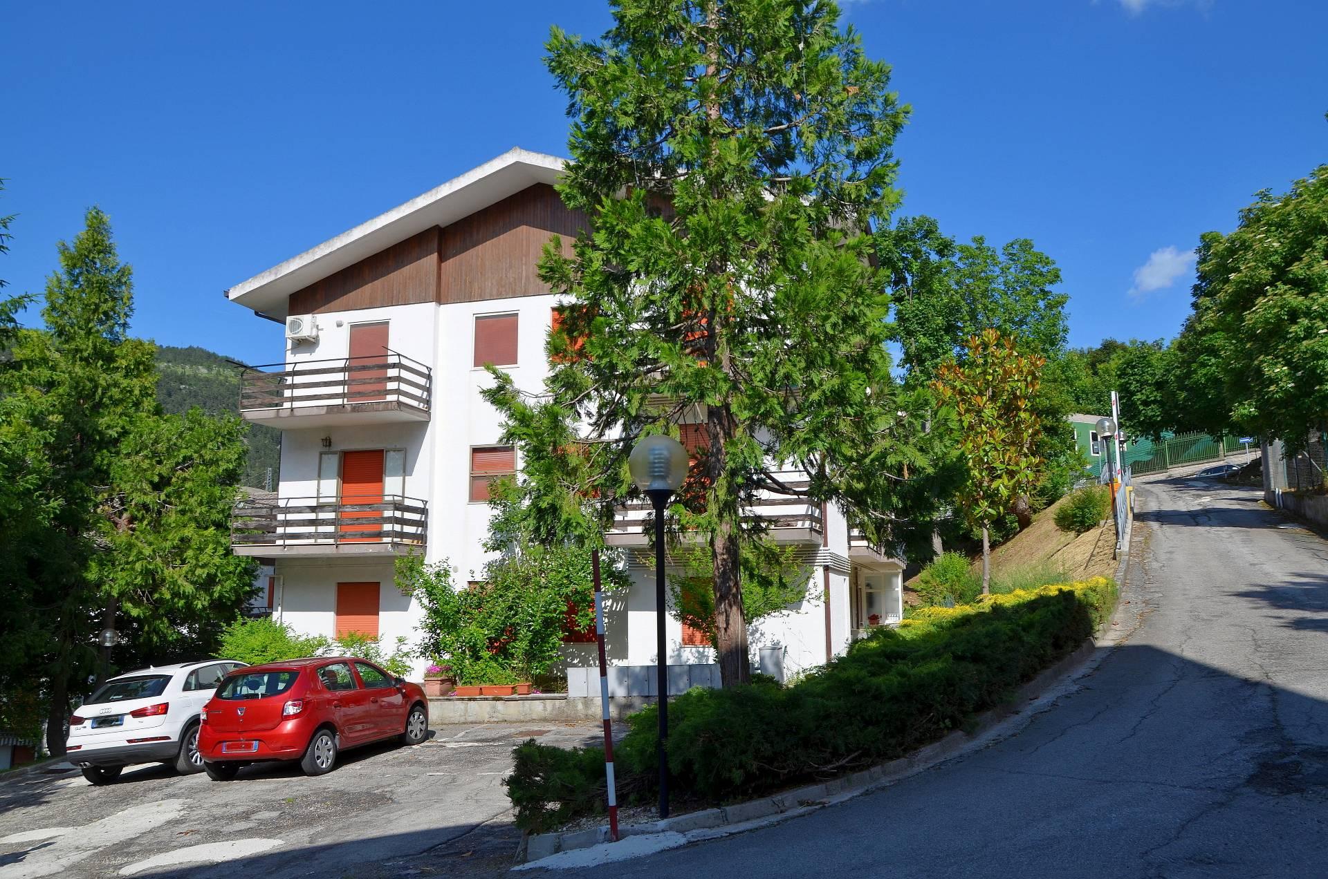 Appartamento in vendita a Caramanico Terme, 3 locali, prezzo € 73.000   CambioCasa.it