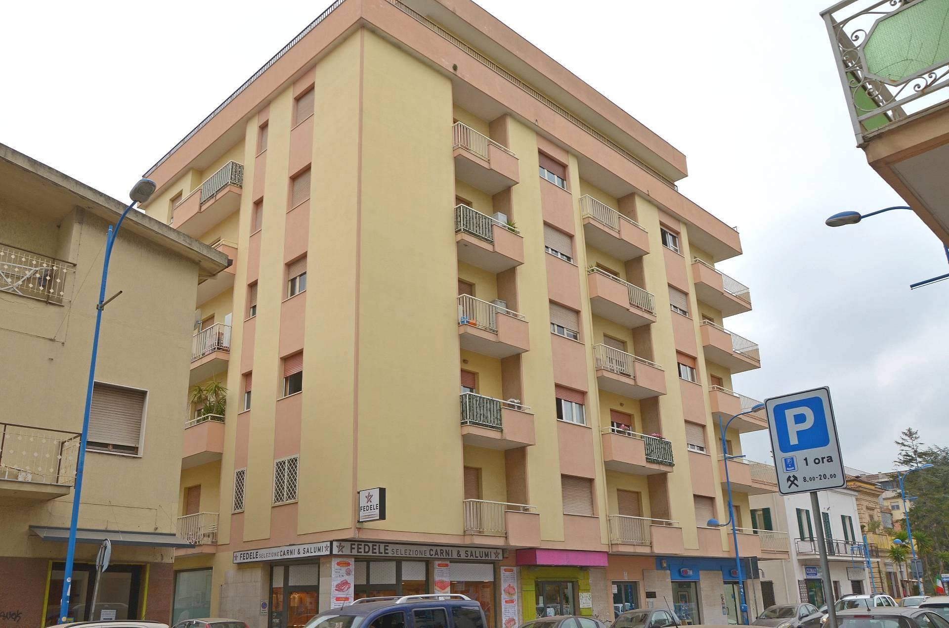vendita appartamento montesilvano centro  99000 euro  4 locali  106 mq