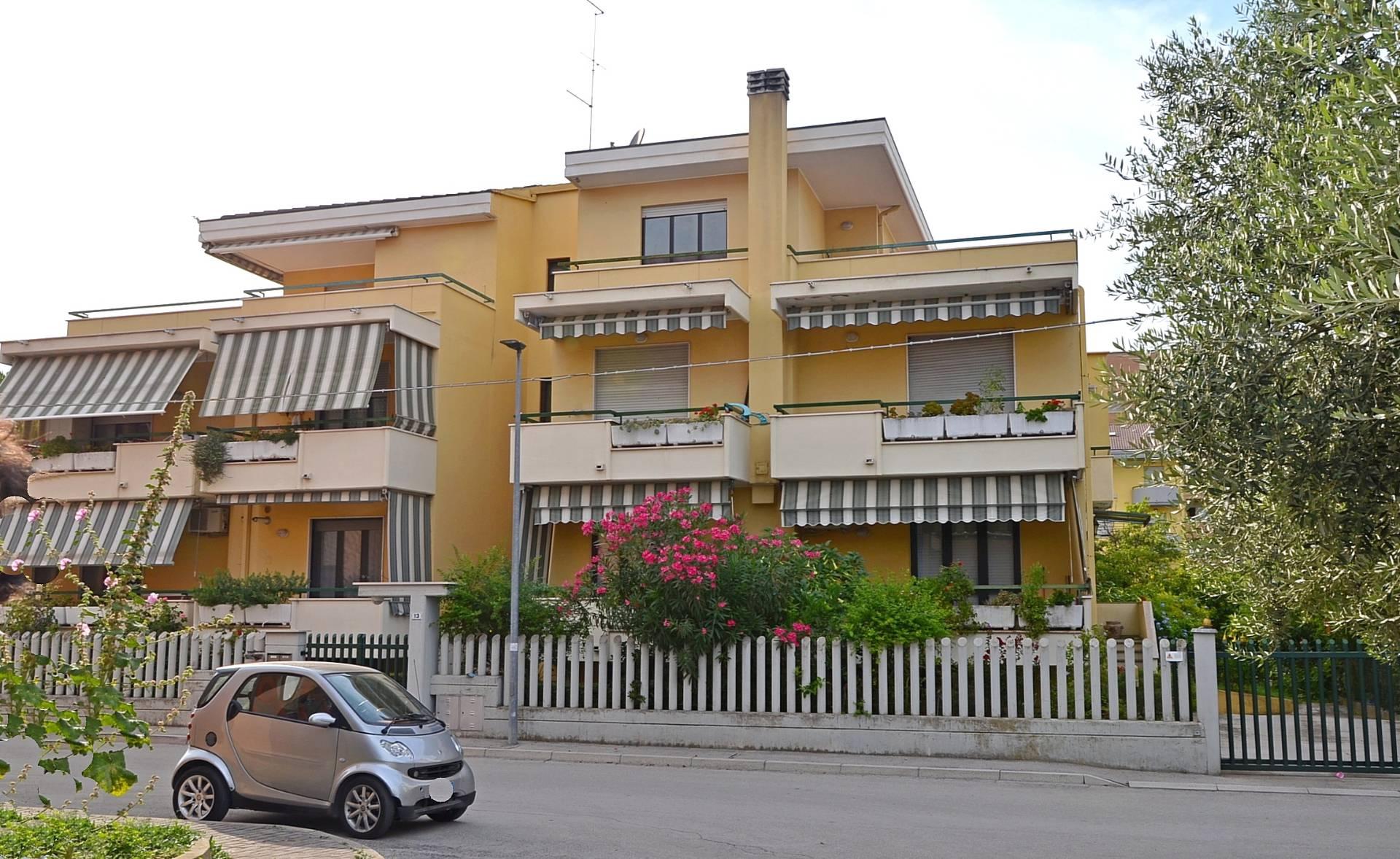 Attico / Mansarda in vendita a Montesilvano, 5 locali, zona Località: mare, prezzo € 188.000   PortaleAgenzieImmobiliari.it