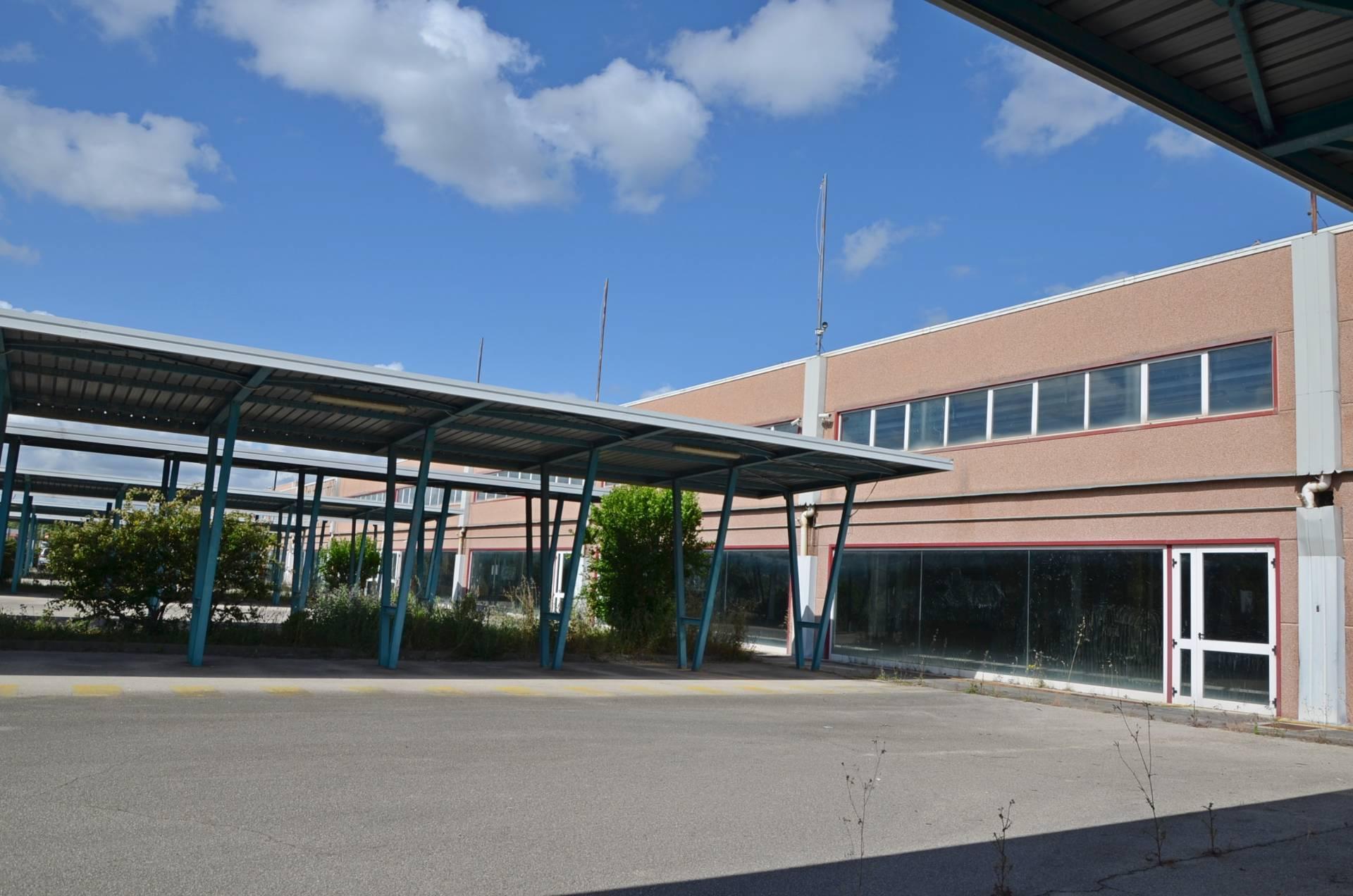 Capannone in affitto a Città Sant'Angelo, 9999 locali, zona Località: FonteUmano, prezzo € 1.700   CambioCasa.it