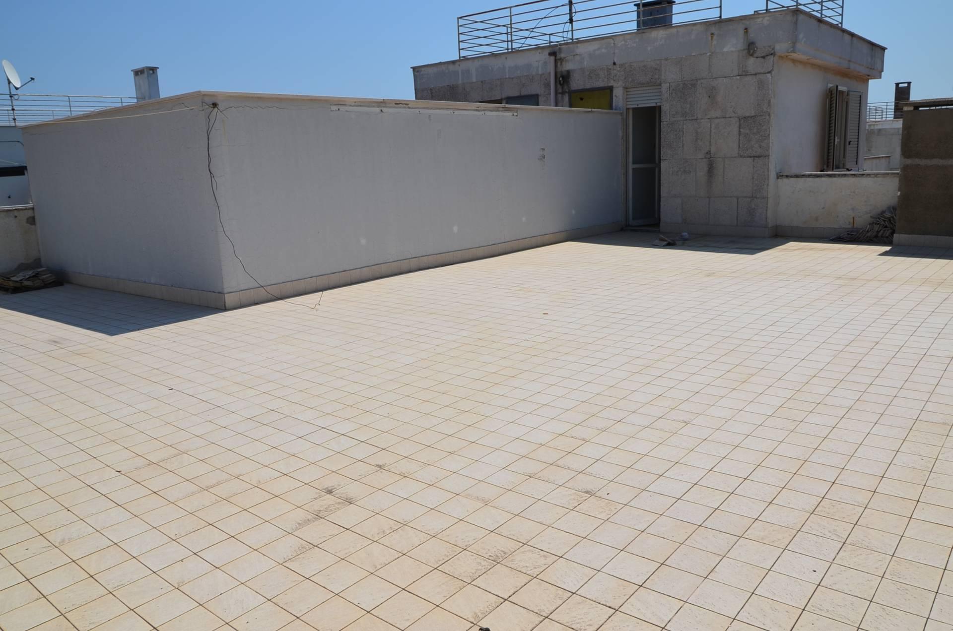 Attico / Mansarda in vendita a Montesilvano, 3 locali, zona Località: centro, prezzo € 60.000   PortaleAgenzieImmobiliari.it