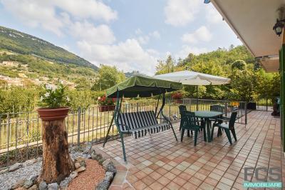 Appartamento indipendente in Vendita a Finale Ligure