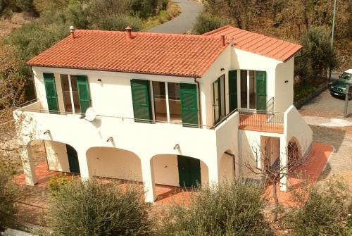 Villa in Vendita a Magliolo