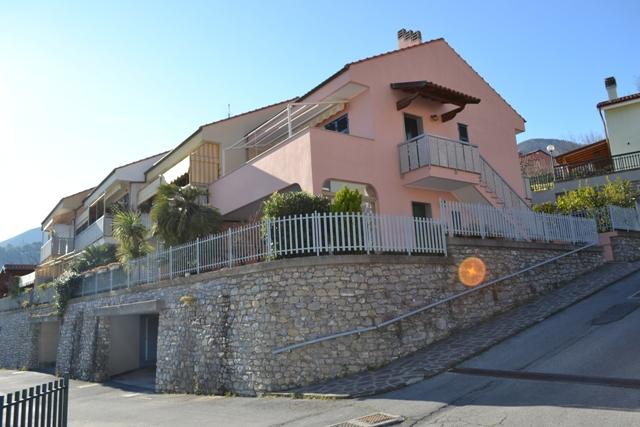 Appartamento in affitto a Toirano, 4 locali, prezzo € 750 | CambioCasa.it