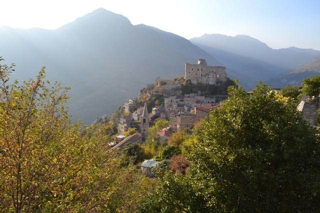 Agriturismo in vendita a Castelvecchio di Rocca Barbena, 9999 locali, zona Zona: Vecersio, prezzo € 289.000 | CambioCasa.it