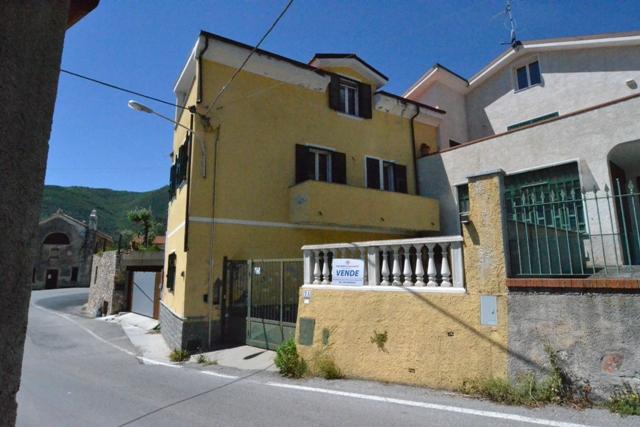 Altro in vendita a Toirano, 5 locali, prezzo € 126.000 | PortaleAgenzieImmobiliari.it