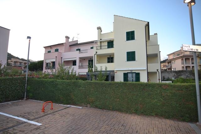 Appartamento in vendita a Pietra Ligure, 4 locali, prezzo € 345.000 | PortaleAgenzieImmobiliari.it