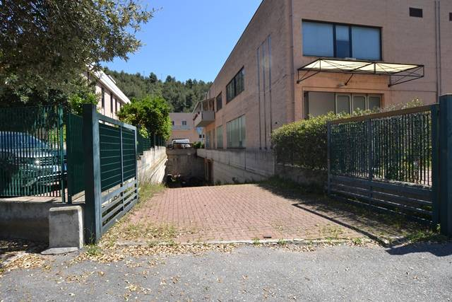 Magazzino in vendita a Borgio Verezzi, 9999 locali, prezzo € 900.000 | PortaleAgenzieImmobiliari.it