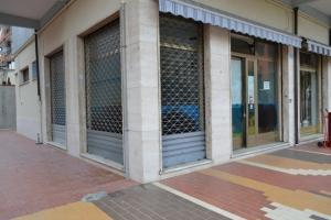 Locale commerciale in Vendita