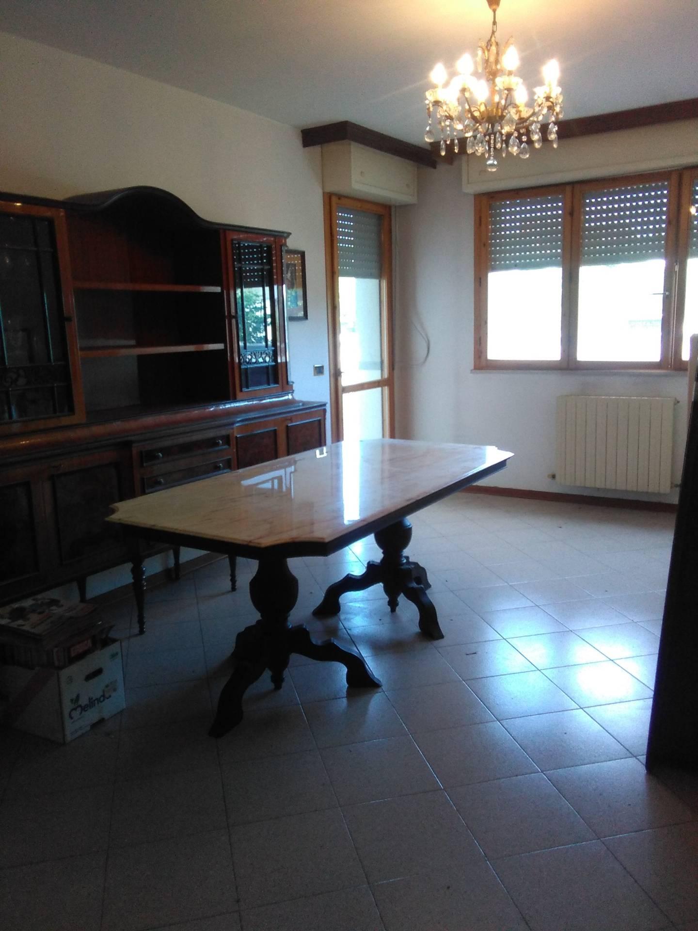 vendita appartamento viareggio varignano  150000 euro  7 locali  95 mq