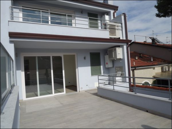 viareggio vendita quart: centro/pineta mediterranea immobiliare s.n.c.