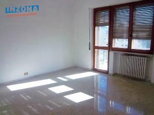 Appartamento in affitto a Teramo, 4 locali, zona Zona: Semicentro , prezzo € 400 | Cambio Casa.it