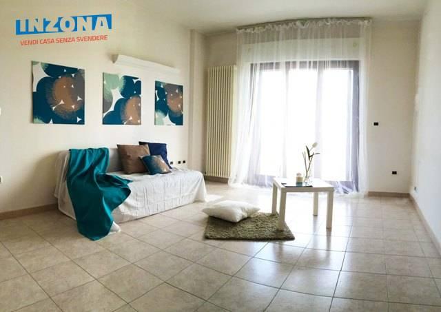 Appartamento in affitto a Teramo, 4 locali, zona Località: Primaperiferia, prezzo € 400 | Cambio Casa.it