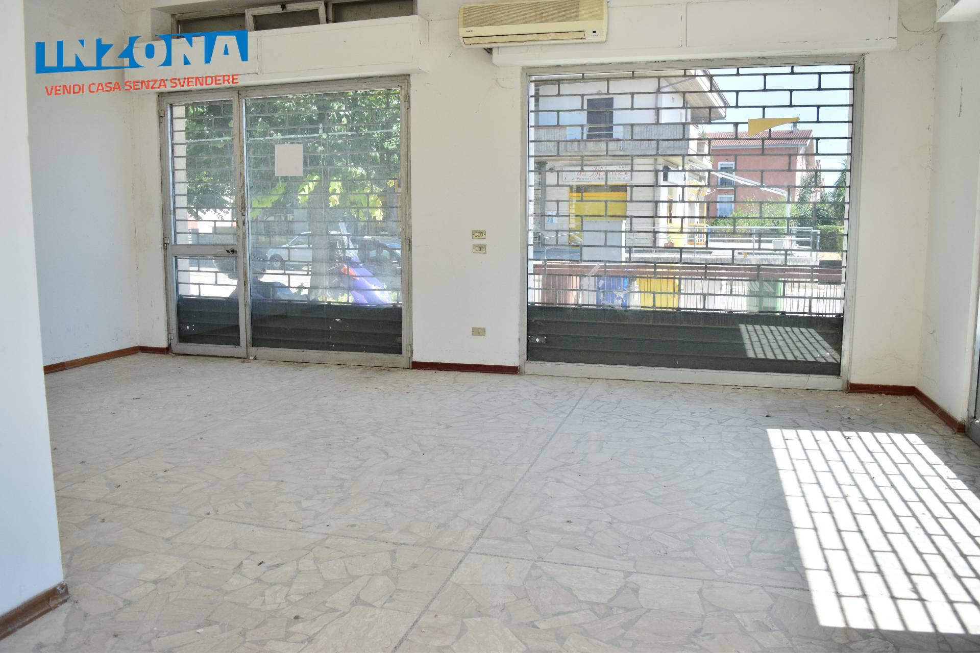 Negozio / Locale in vendita a Bellante, 9999 locali, zona Zona: Ripattoni, prezzo € 40.000 | CambioCasa.it