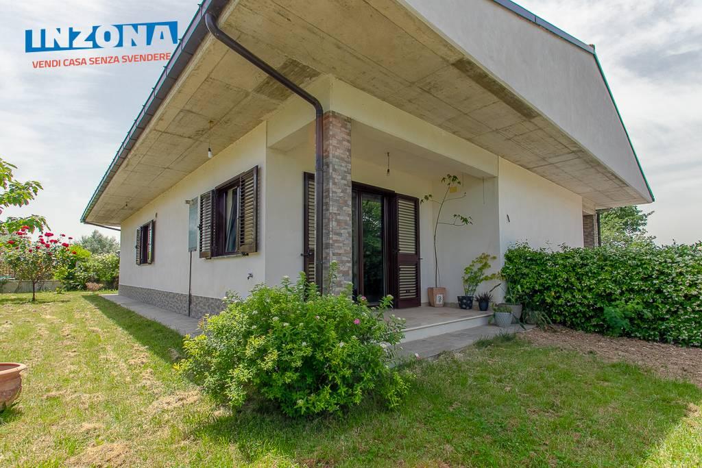 Villa in vendita a Castellalto, 4 locali, zona Località: CastelnuovoVomano, prezzo € 215.000 | CambioCasa.it