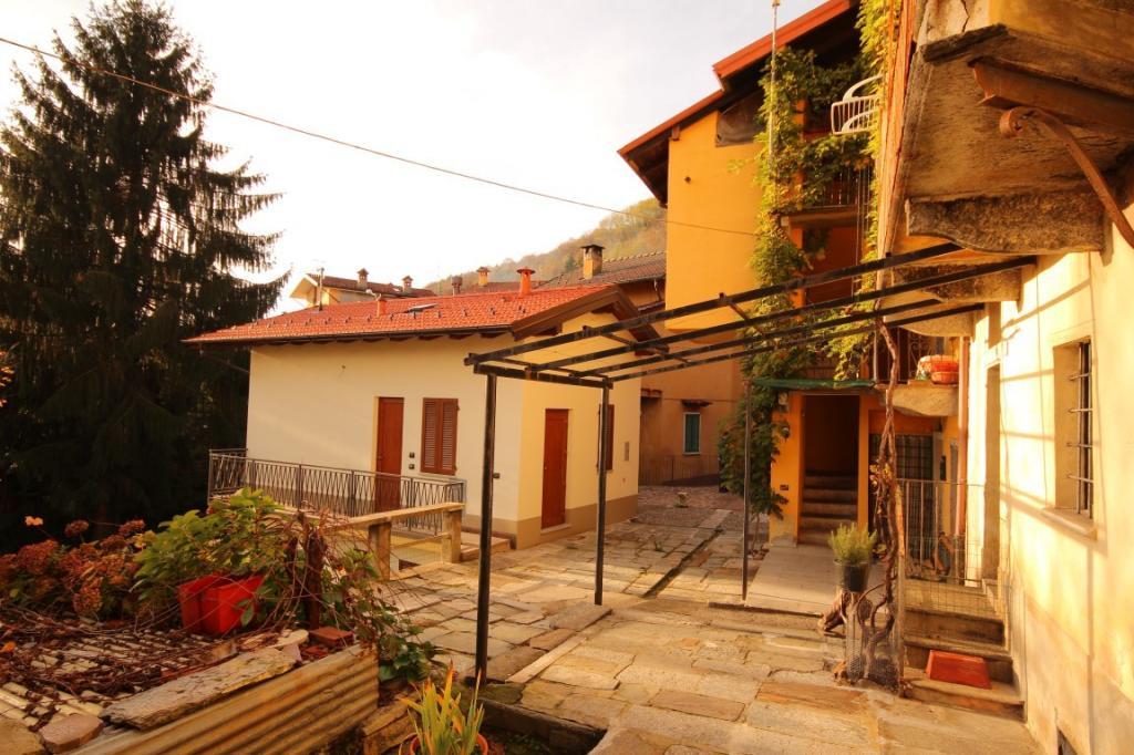 Soluzione Indipendente in vendita a Cambiasca, 2 locali, prezzo € 200.000 | Cambio Casa.it