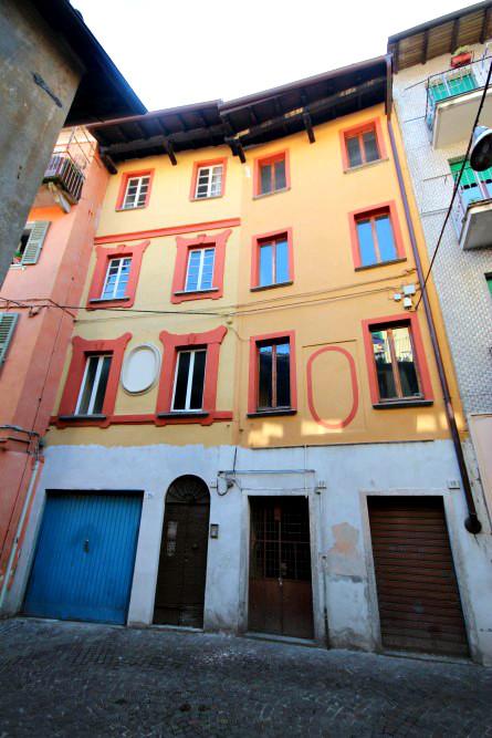 Soluzione Indipendente in vendita a Verbania, 11 locali, zona Località: Intracentro, prezzo € 250.000 | Cambio Casa.it