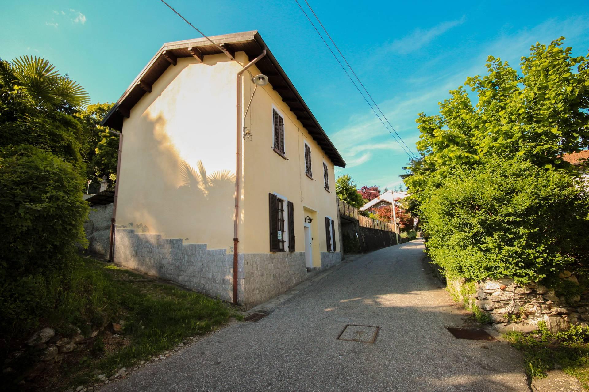 Soluzione Indipendente in vendita a Verbania, 7 locali, zona Zona: Biganzolo, prezzo € 230.000 | CambioCasa.it