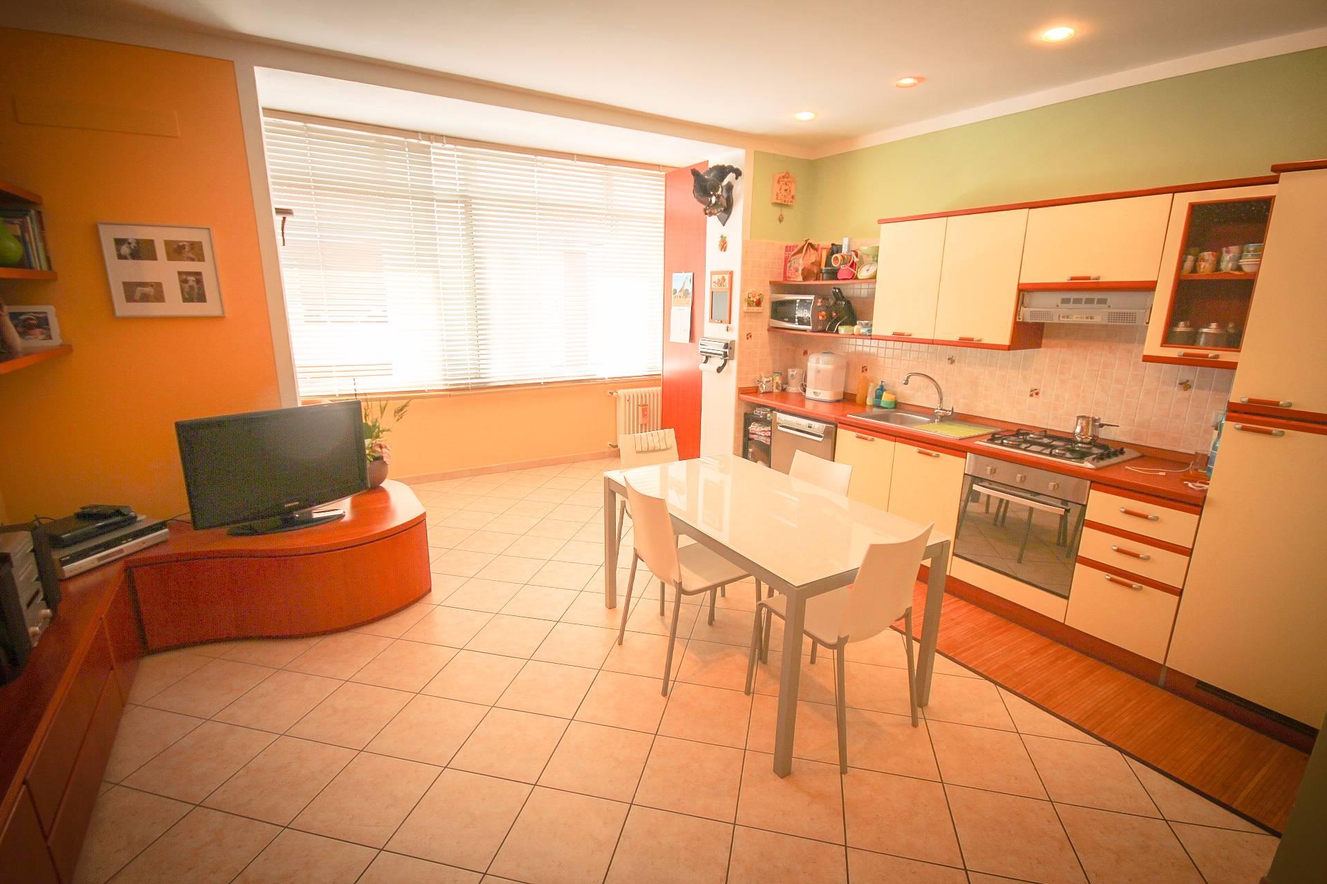 Appartamento in vendita a Verbania, 2 locali, zona Zona: Intra, Trattative riservate | Cambio Casa.it