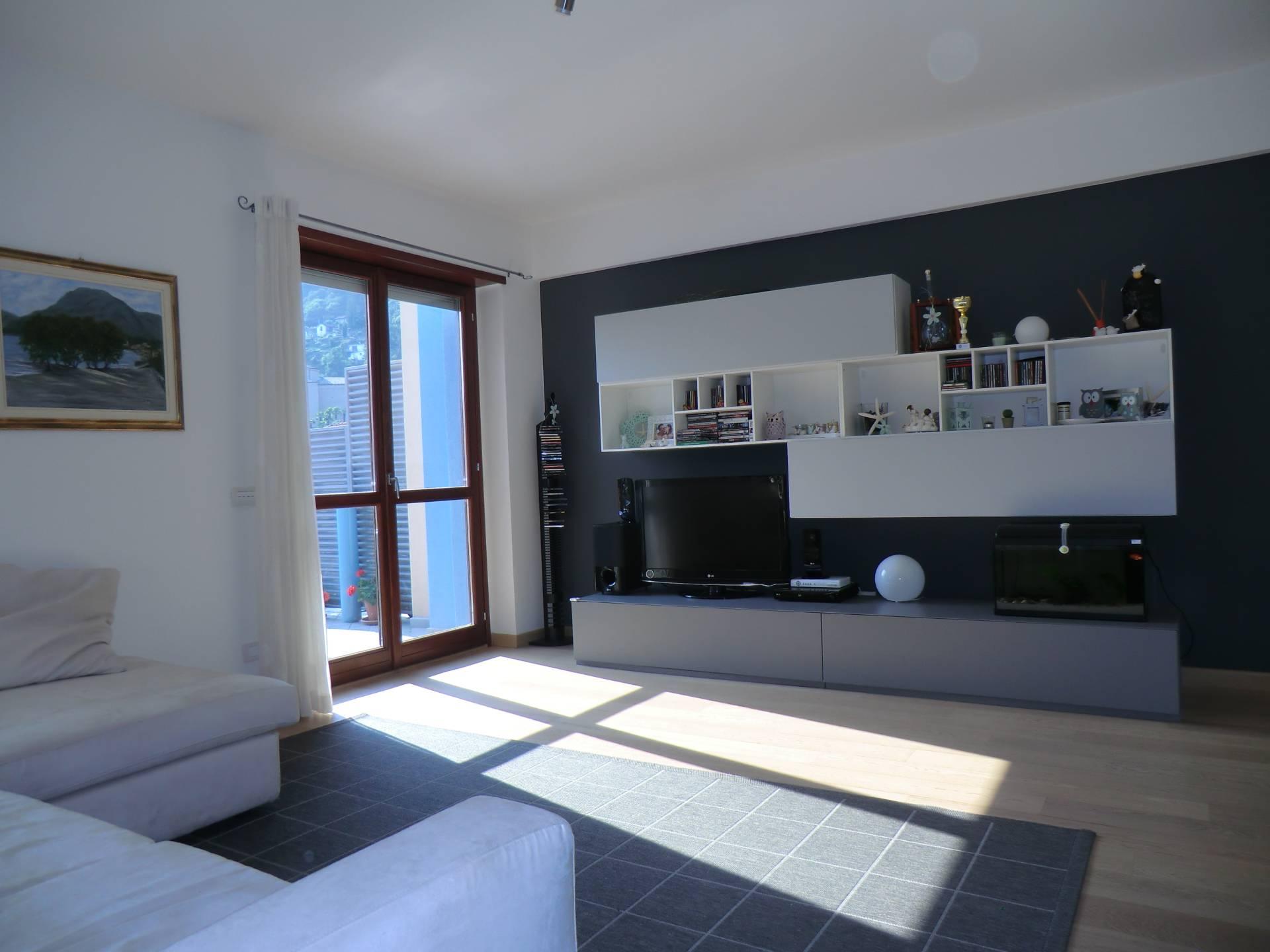 Appartamento in vendita a Cannero Riviera, 3 locali, prezzo € 275.000 | Cambio Casa.it