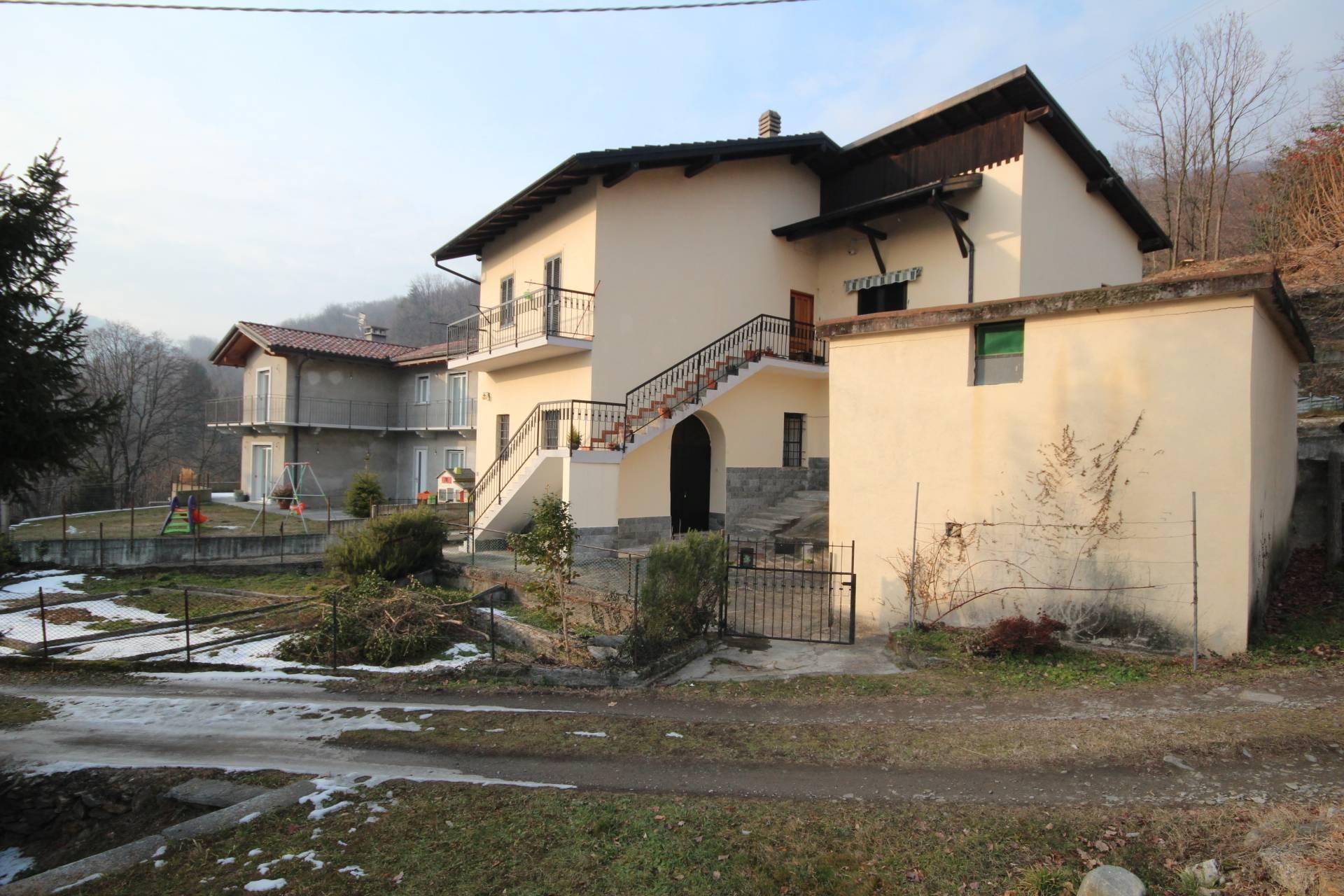 Soluzione Indipendente in vendita a Cossogno, 6 locali, prezzo € 230.000 | Cambio Casa.it