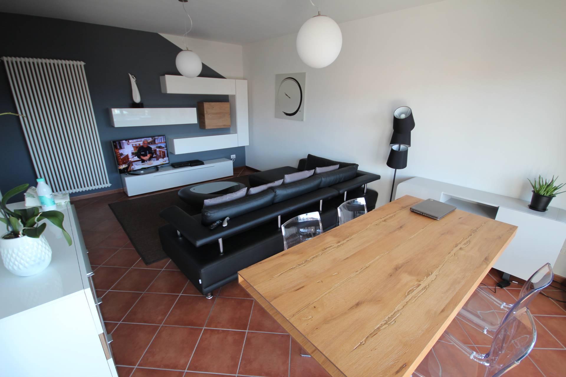 Appartamento in vendita a Verbania, 3 locali, zona Località: Intracentro, prezzo € 280.000 | Cambio Casa.it