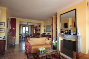 Arizzano,  at Sale