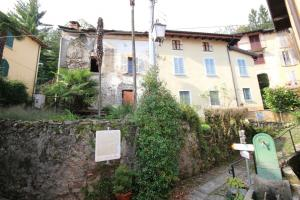 Cannobio, Rustic in artists' village at Sale