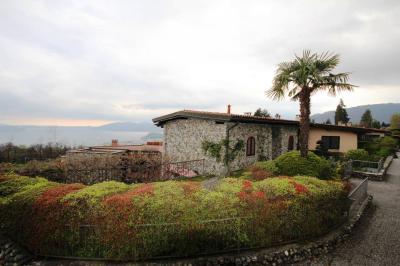 Arizzano, Appartement mit Swimmingpool, Terrasse, Seeblick und Parkplatz zu verkaufen