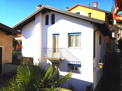 Cannero Riviera, Casa indipendente con Giardino a 50 mt dal Lago in Vendita