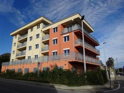 Verbania, appartamento quadrilocale in Vendita