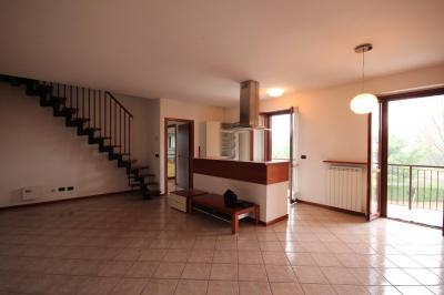 Baveno, appartamento quadrilocale in Vendita
