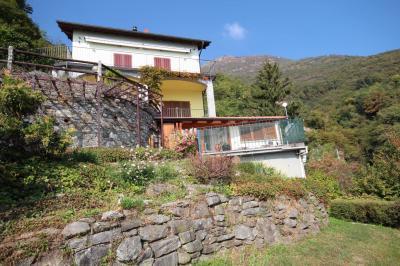 Oggebbio, Wohnung mit Terrasse Seeblick Garten Parkplatz zu verkaufen