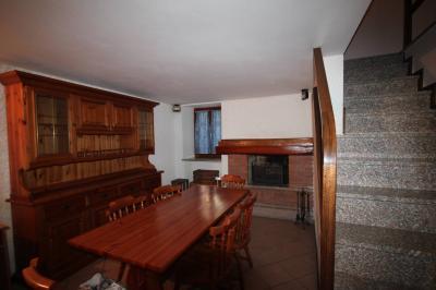 San Bernardino Verbano, Casa semindipendente finemente ristrutturata con ampi balconi in Vendita